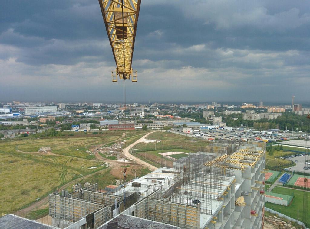 фото с высоты башенного крана ютуб ровная светло-фиолетовая