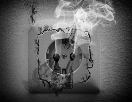 Короткое замыкание погубило электронику жильцов дома