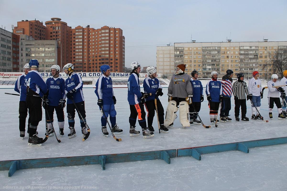 Рязанцы одержали победу в хоккее с мячом