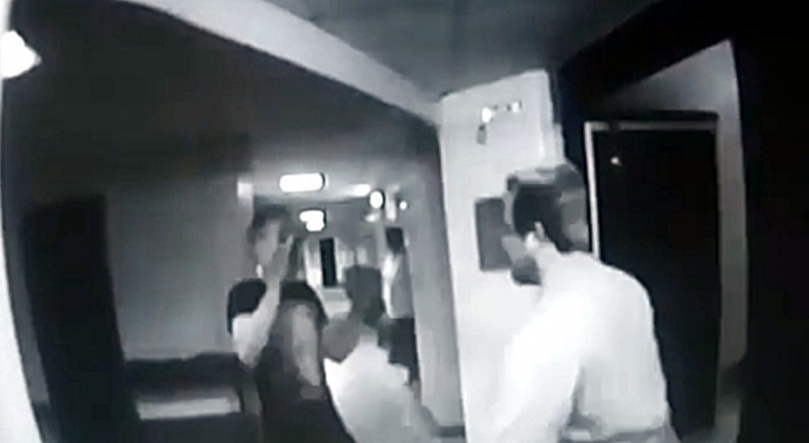 Пьяный дебошир напал на врача-травматолога: полное видео инцидента