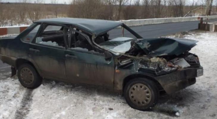 На трассе М5 водитель «девяносто девятой» врезался в припаркованные «Газели»