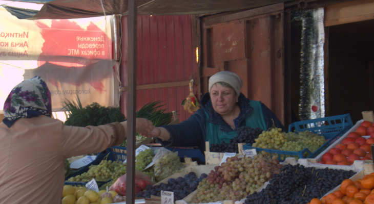 Борьба закончена: на улицы планируют вернуть ларьки и мини-рынки