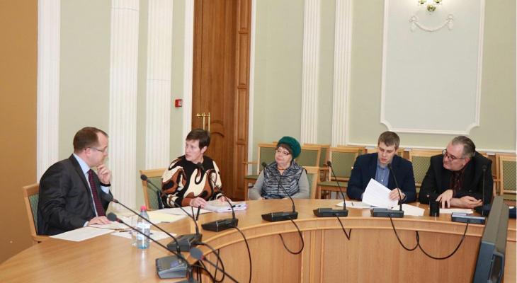 Карабасов на личном приеме граждан пообещал отремонтировать дорогу на Татарской