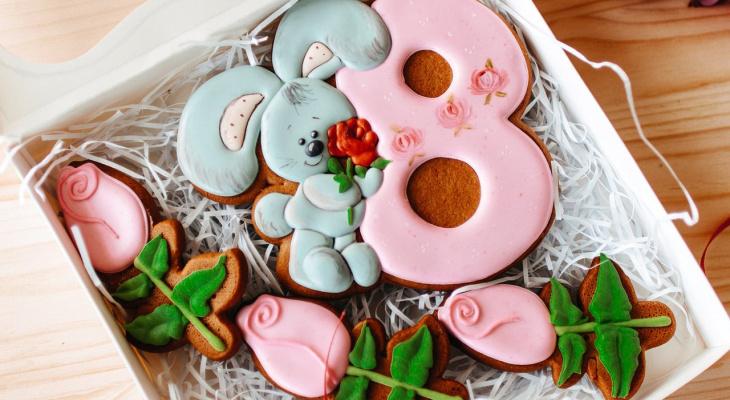 Как увлекательно провести праздники и что подарить на 8 марта