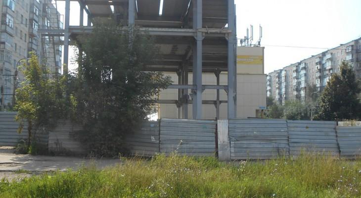 В Канищево требуют снести постройку и разбить на ее месте сквер