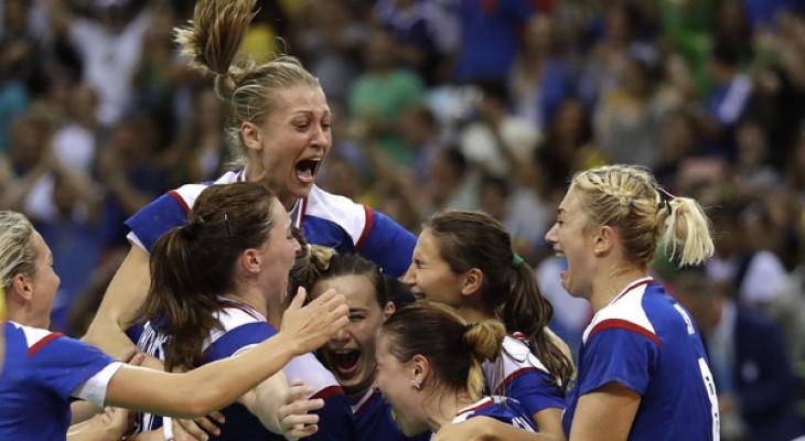 Российские гандболистки завоевали золото в Рио