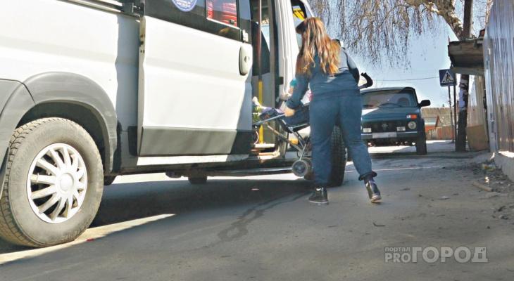 С коляской по Рязани: место в маршрутке не дается без борьбы