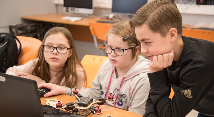 Как привить любовь ребёнка к технологиям и саморазвитию