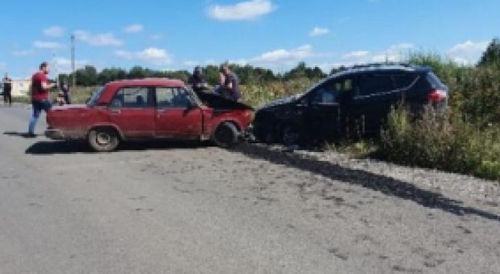 В Кораблино 18-летний водитель без прав врезался в Ford. Два человека в больнице