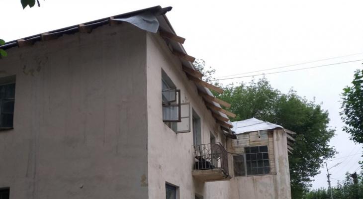 ЖЭУ №9 отреагировало на жалобу рязанца: рабочие отремонтировали протекающую крышу
