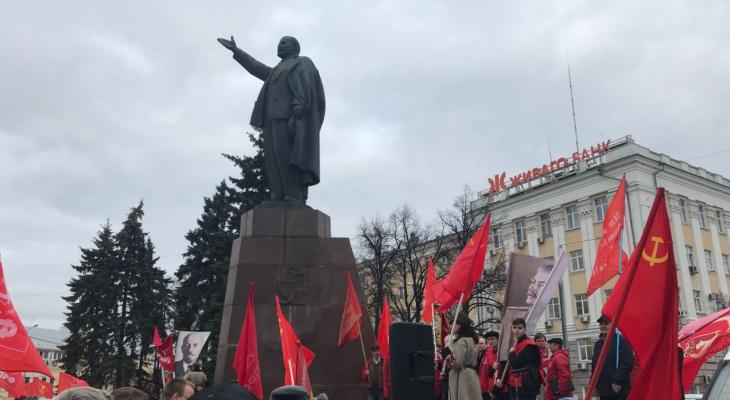 Красный день календаря: что вы знаете о советских праздниках? Тест!