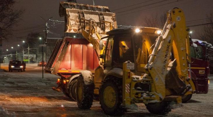 Рязанские коммунальщики вывезли почти 2 тысячи кубометров снега