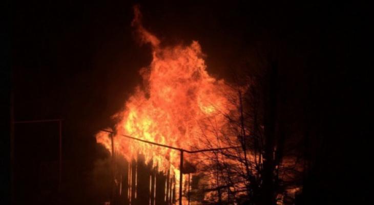 При пожаре под Ряжском в собственной квартире погиб мужчина