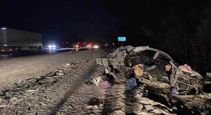 Трагическая авария на трассе М5: в ДТП погибли женщина и десятимесячная девочка