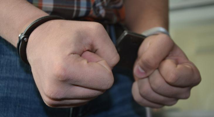 Житель Сараев напал на полицейского