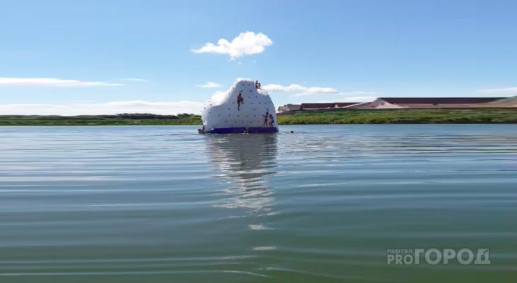 Жаркие выгодные: а вы прыгали в воду с айсберга?