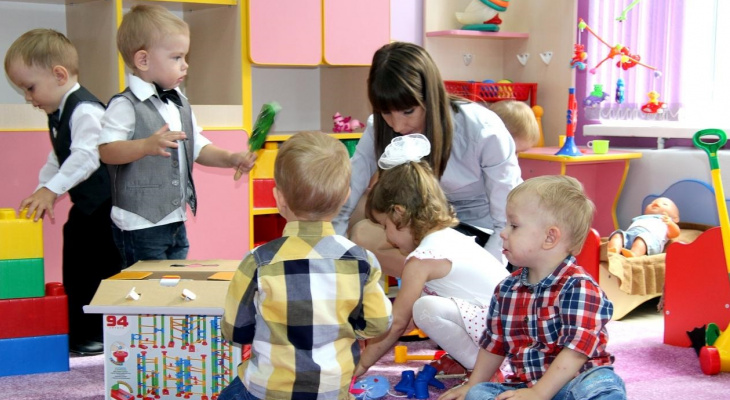 Новые порядки: детей в дошкольные учреждения принимают дистанционно