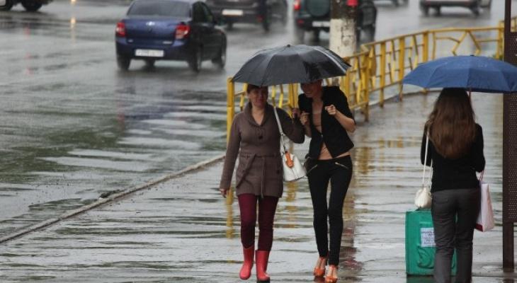 Пора бежать на курорт: вторая половина лета в России ожидается холодной