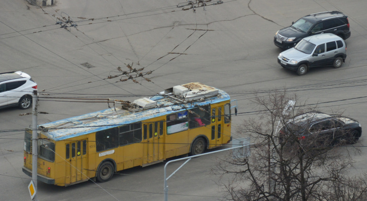 Провода постоянно обрываются, но в мэрии считают, что с контактной сетью троллейбусов все в порядке