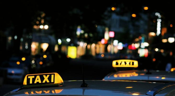 Ударил по лицу и исчез: в Рязани задержали таксиста, избившего пассажира