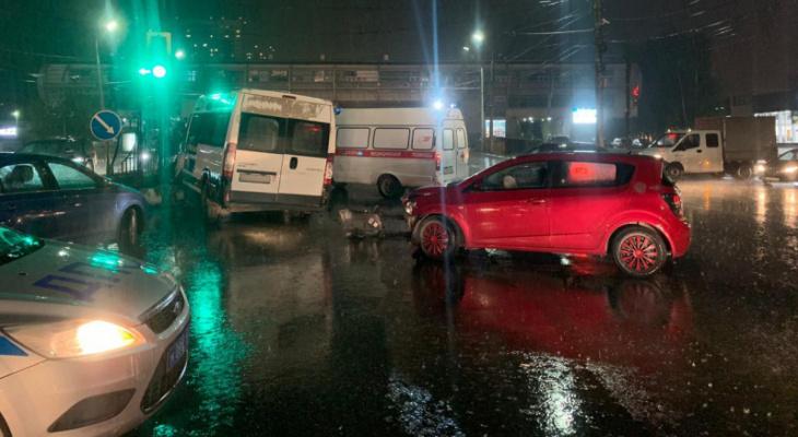 Больше подробностей: названа причина ДТП с маршруткой на Московском шоссе