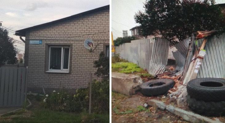Примагничивает аварии: история одного рязанского дома, в который постоянно врезаются машины
