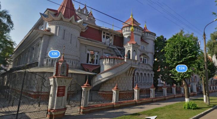 Угадай, иностранная или российская: тест про школы с впечатляющим дизайном