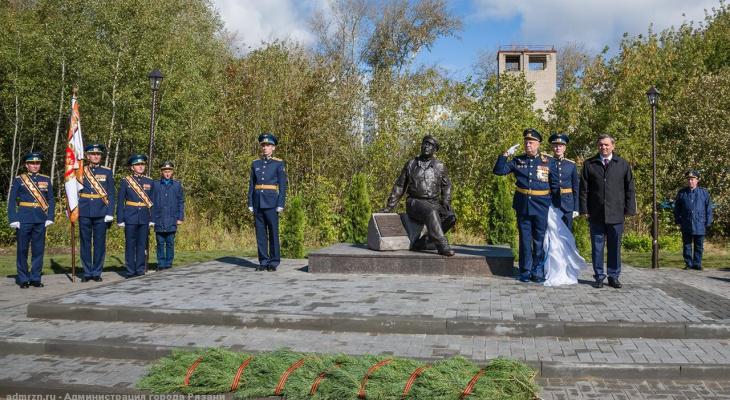 Еще один: в Рязани открыли памятник герою из фильма «В бой идут одни старики»