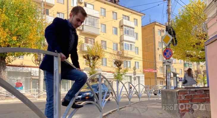 Улицы Рязани закатали в пешеходные ограждения: почему урбанисты считают, что заборы - это зло