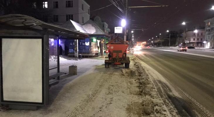 Будут вывозить снег: рязанцев попросили убрать свои автомобили в ночь на 1 марта