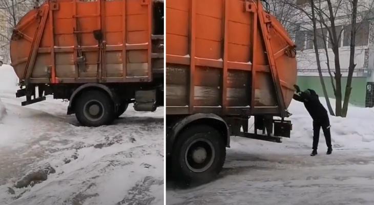 Не осилил: на Новоселов мусоровоз не смог выбраться из ледяных рытвин