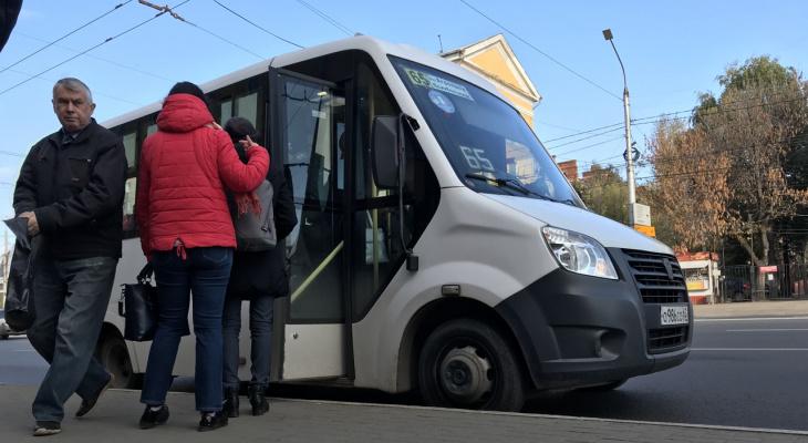Какой боевой: водитель маршрутки №33 хотел подраться с пассажиром