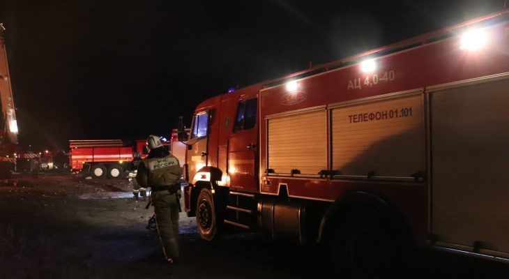Эвакуировали четыре человека: вечером в среду в Борках произошел пожар