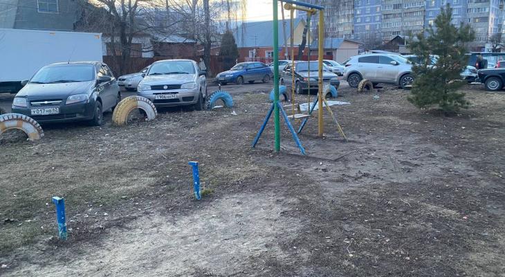 Найди песочницу: рязанка пожаловалась на состояние детской площадки на улице Новая