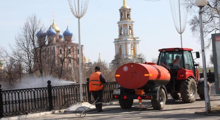 Работает более 180 человек: в мэрии отчитались об уборке улиц