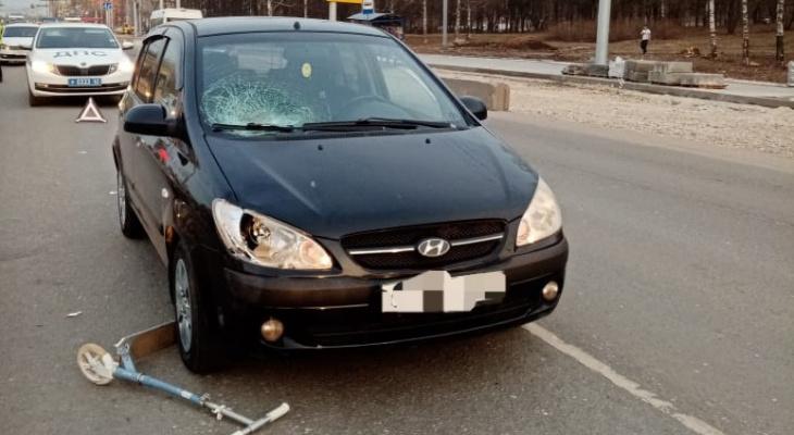 Девочку госпитализировали: в Кальном водитель сбил 10-летнюю школьницу на самокате
