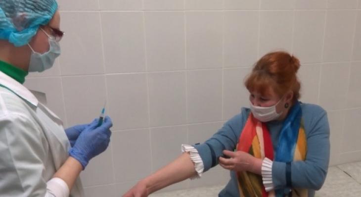 """Уже второй: в ТЦ М5 """"Молл"""" открыли еще один пункт вакцинации от ковида"""