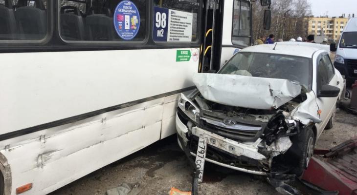 Перевесили номера: автобус, попавший в ДТП на мосту через Трубеж, не был оформлен в ГИБДД
