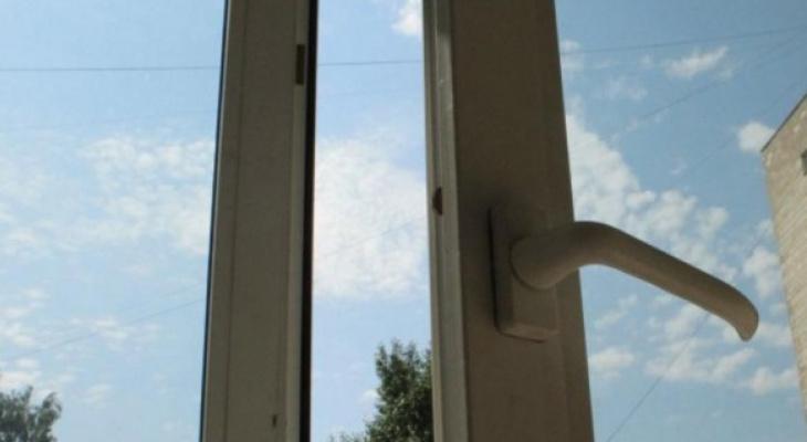 Жестокое обращение: рязанским родителям грозит ответственность за падение ребенка из окна