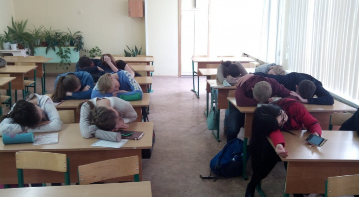 Дети довольны: в российских школах объявили каникулы с 1 по 10 мая
