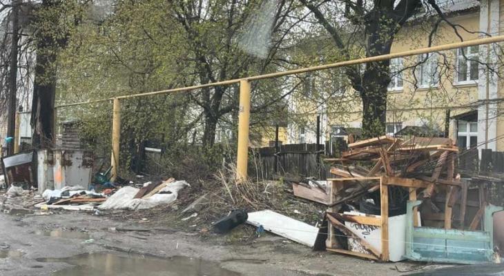 """""""Свалка недели"""": подборка замусоренных улиц Рязани"""