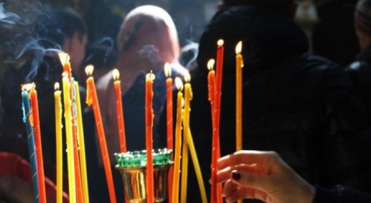 Пасха: Благодатный огонь из Иерусалима привезут в 20 регионов России