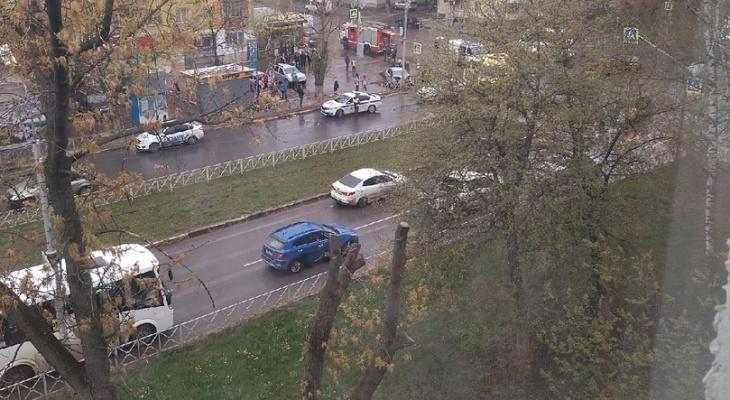 Происшествие: на Островского машина вылетела на пешеходную зону