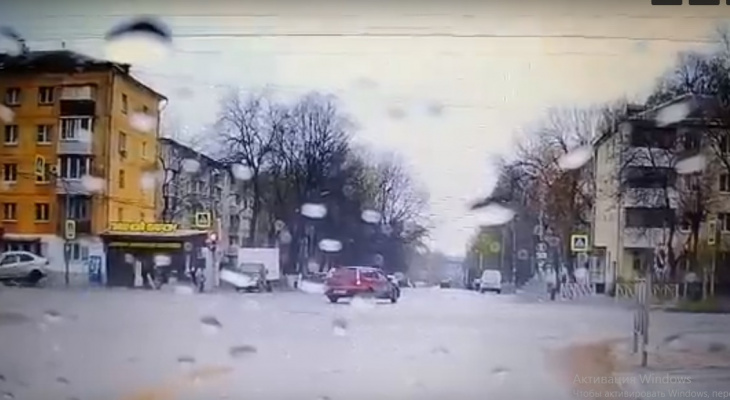 Ещё одно видео: подробности аварии на Островского