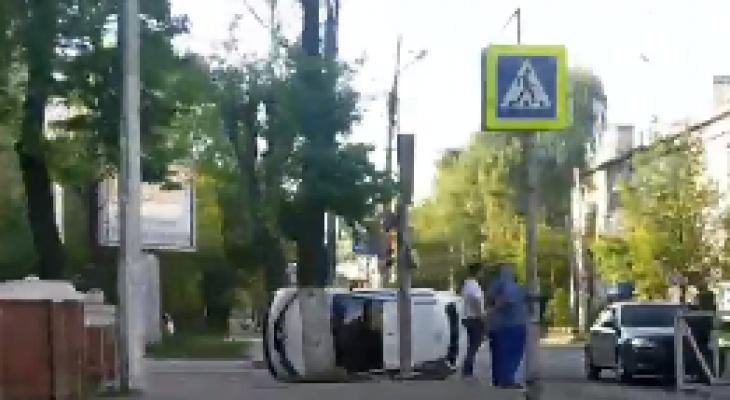 Авария с такси: в центре Рязани столкнулись две машины