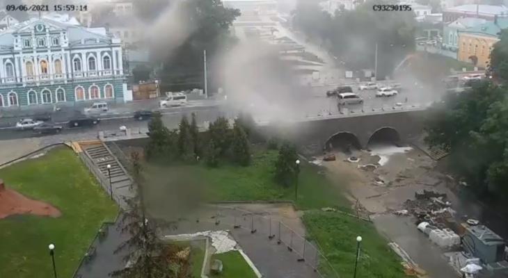 Таймлапс: министр транспорта Рязани опубликовал видео работы ливнёвок на Астраханском мосту