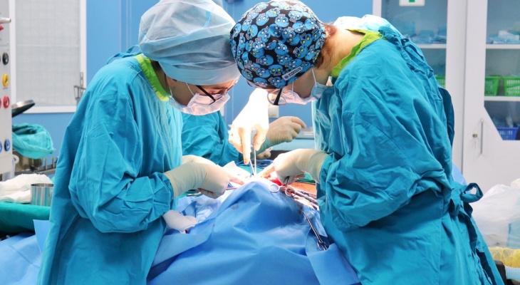 А раньше бы просто отрезали: рязанские онкологи удалили из языка пациента опухоль