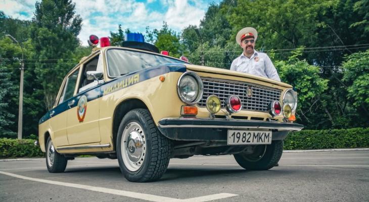 Раритетные машины и мужчины в форме: в Рязани состоялась выставка автомобилей ГИБДД