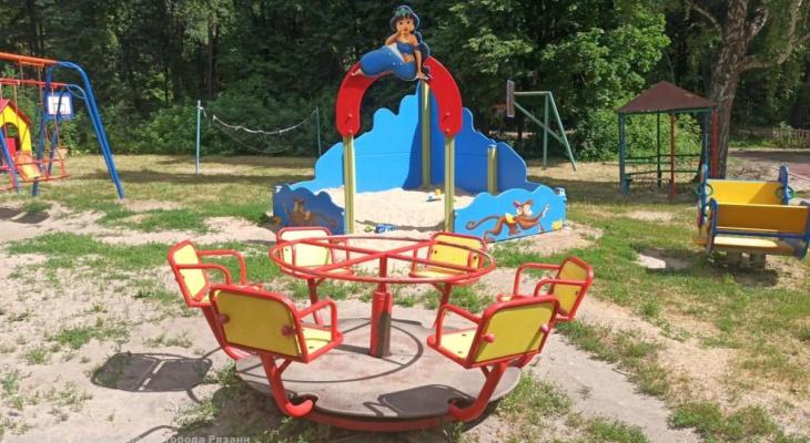 В мэрии напомнили, что детские площадки должны находится в надлежащем состоянии