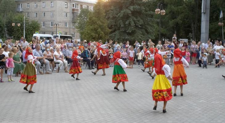 Праздник продолжается: в Московском районе состоялся концерт, посвященный Дню города